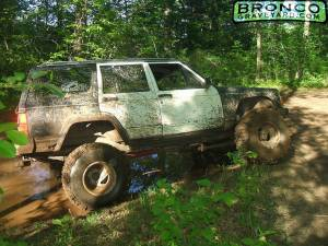 89 jeep w/ 75 bronco axles