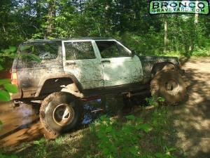 89 jeep w/ 75 bronco axles