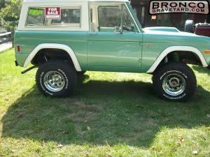 1977 bronco sport  auto